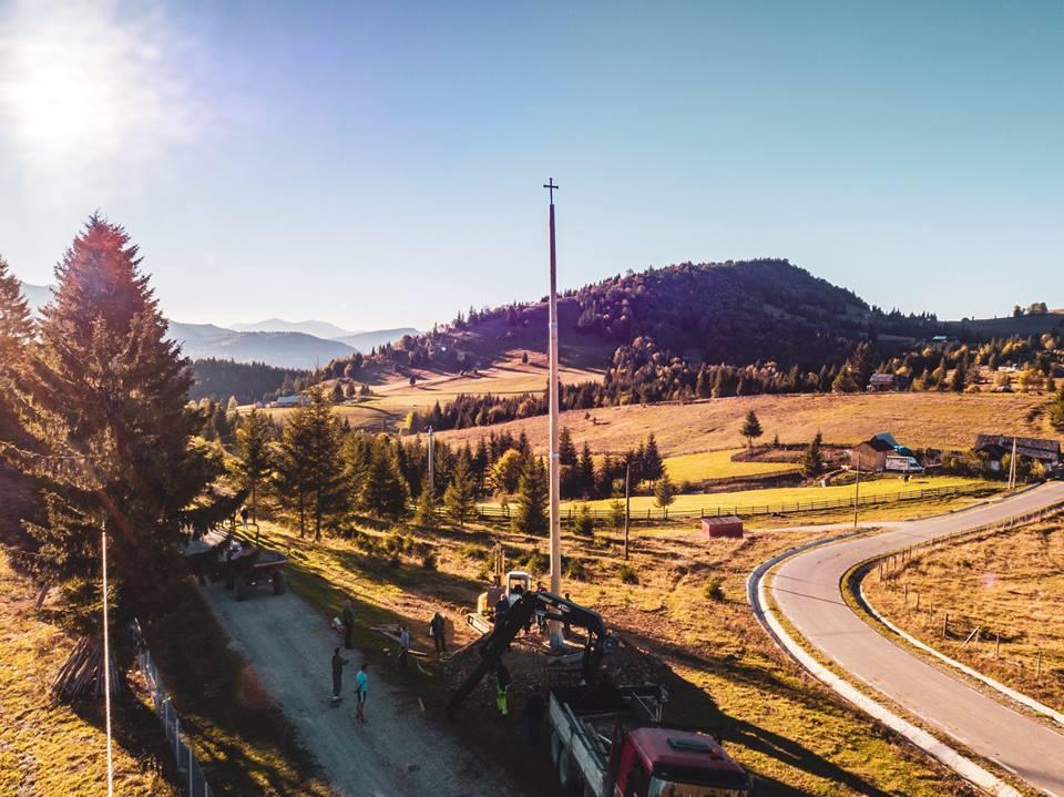 Peste 100 de borne pentru Via Transilvanica, gata de ...  |Via Transilvanica
